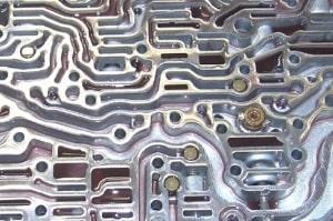 Ölkanäle im Automatikgetriebe