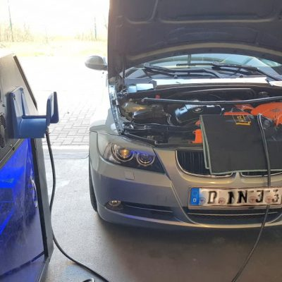 Hydrogen-Carbon-Cleaning BMW